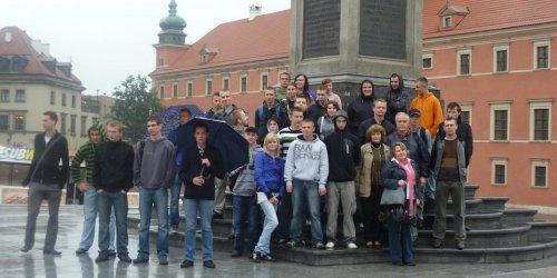 """Wycieczka do Warszawy w ramach projektu edukacyjnego """"Awangarda dla przyszłości""""."""