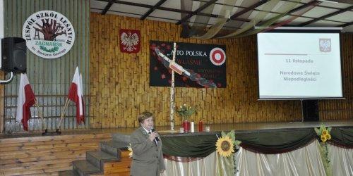 2015-11-10 Akademia z okazji Narodowego Święta Niepodległości w Technikum Leśnym