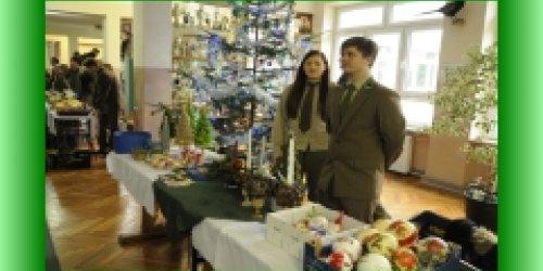 18-12-2017 Uczniowie Technikum Leśnego dzielą się świąteczną radością!